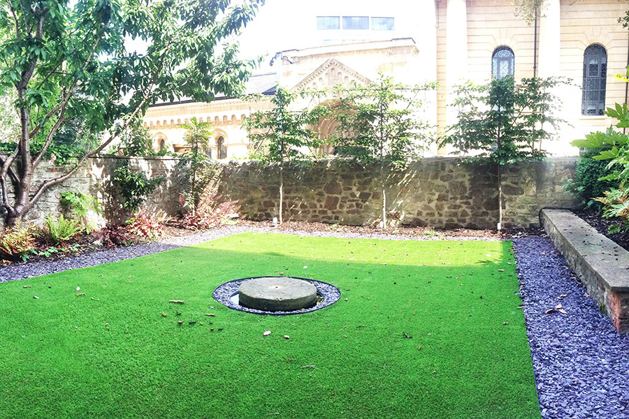 Low Maintenance City Garden Astro Turf Water Feature Slate